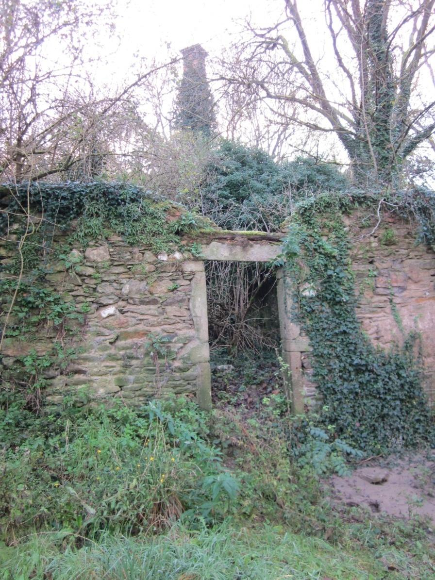 Entrée moulin et cheminée
